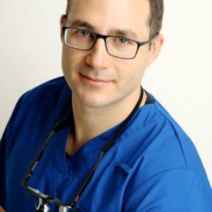 Dr Kamil Masou
